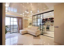 Белый глянцевый потолок 20 кв м