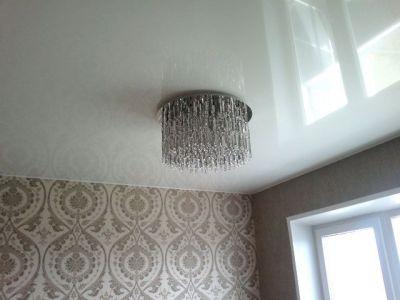 Купить Купите глянцевый натяжной потолок в спальне шарм и уют вашего дома! в Москве и области