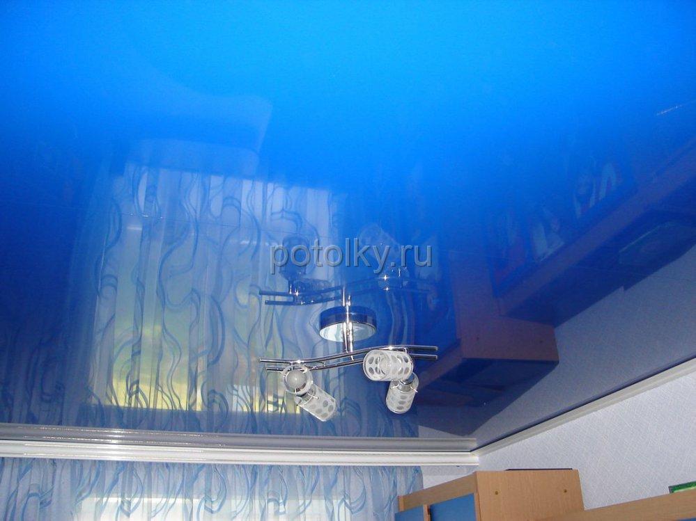Фото глянцевых потолков